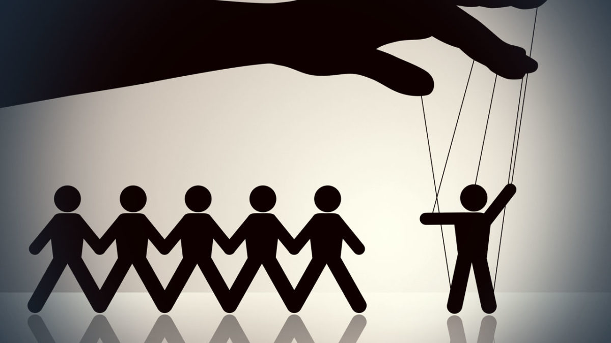 Les dix stratégies de manipulation de masse que nous subissons !