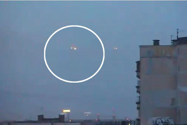 Un OVNI triangulaire aurait été filmé à Saint-Pétersbourg