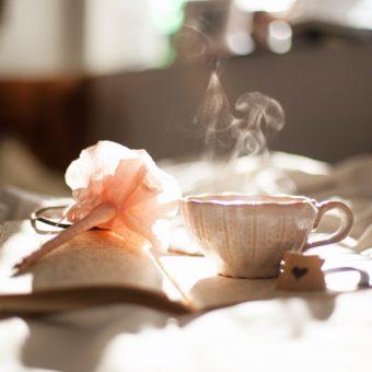 Découvrez la Tasséomancie (lecture dans les feuilles de thé)